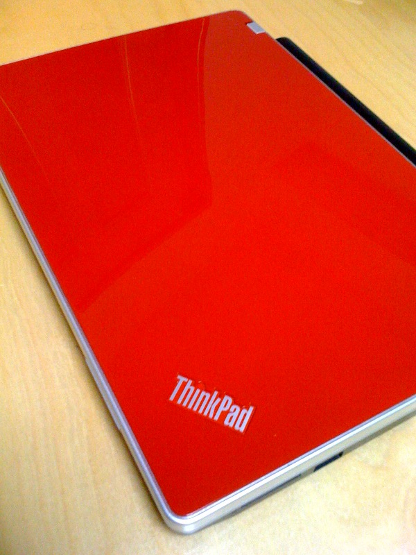 ThinkPad Edge 11、赤色はかっこいい